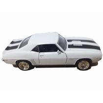 Carrinho Camaro Ss Branco 1969 Miniatura 1/32 - Ferro Antigo