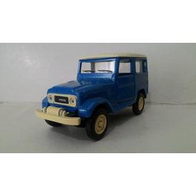Miniatura Carro Nacional Raro Toyota Bandeirantes Esc:1/32