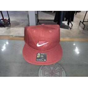 Gorra Nike en Sb Bordo Ropa y Accesorios en Nike Mercado Libre Argentina f55516