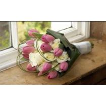 Caja Con Ramo De 10 Tulipanes Y 10 Rosas Naturales Exportaci