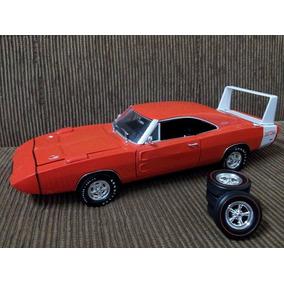Miniatura Dodge Charge Daytona 1969 1/24