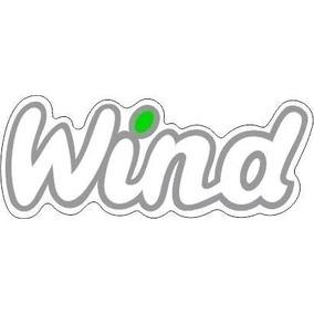 Emblema Adesivo Wind Pingo Verde Corsa Wind Letras Cor Prata