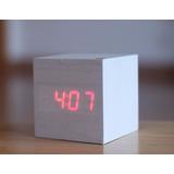 Reloj Desperador Digital Diseño Cuadrado Simil De Madera