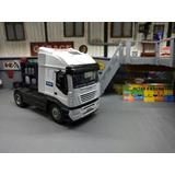 Camión Iveco Stralis Ypf 1/32 Metal