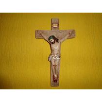 Crucifixo De Parede Em Gesso (m) Medida 32 Cm X 19 Cm