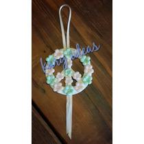 Simbolo De La Paz Con Flores En Porcelana Fria