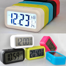 Reloj Despertador Digital Luz Led Snooze Sensor Regalos Aka