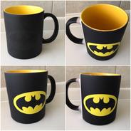 Batman Taza Magica Logotipo Fondo Amarillo