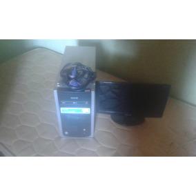 Vendo Um Computador E Um Monitor