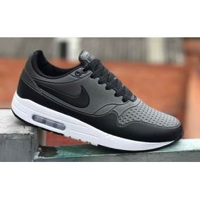 Nike Airmax Essential Gris Negro
