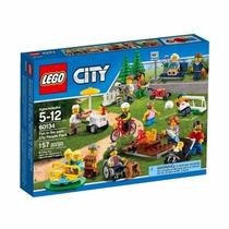 Lego City 60134 Diversão No Parque Com 15 Minifiguras