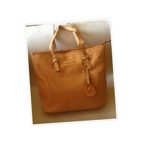 Cartera Mk Beige Grande !! Ideal Para Regalo Nueva