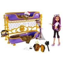 Monster High Dead Tired Clawdeen Lobo Doll Y Cama Playset