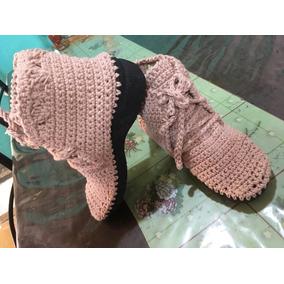 Botas Acordonadas En Crochet Con Suela