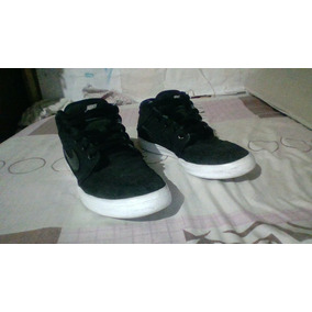 Zapatillas Nike Coolor Negras A Medio Uso