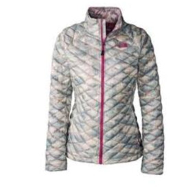 Chamarra Para Dama The North Face Camuflaje Thermoball