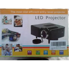 Mini Projector Nuevo De Color Negro Nunca Usado