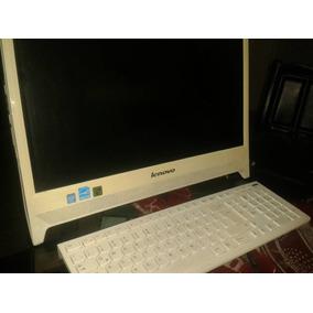 Computadora Lenovo All In One Touch Screen C260 Blanca.
