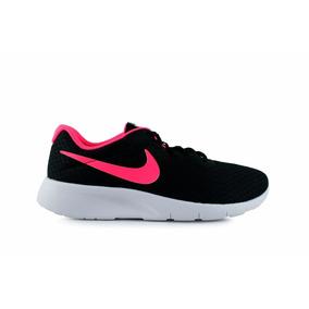 Tenis Nike Tanjun - Negro Con Rosa 818384-061
