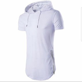 Camiseta Com Capuz Oversized Stecchi