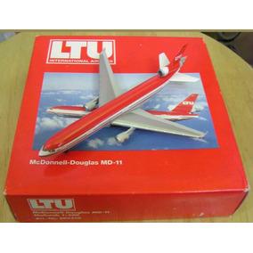 Maquete/miniatura Avião Mcdonell_douglas Md-11