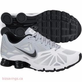 Tênis Nike Shox Turbo 14 631760-100 Branco/preto