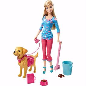 Boneca Barbie Com Cachorro Que Faz Coco E Acessórios