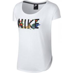 8006b8bb5 Camiseta Nike Top Ss Hyper Feminina Aq9736-100 - G - Branco