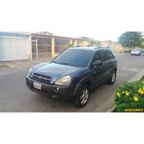 Hyundai Tucson Gl 4x4 - Sincronico