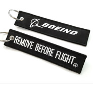 Llavero Remove Before Flight ® Librea Boeing Carbono