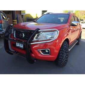 Tumbaburros Big Country Nissan Np300 2016-2018 Inoxidable
