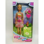 Muñeca Articulada Kiara Y Su Mascota Platito  30 Cm