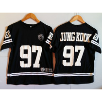 Camiseta K Pop College Bts Jungkook 97 + Colar Army Resinado