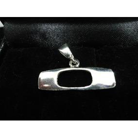 Pingente Oakley Em Prata 925