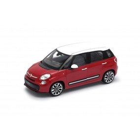 Welly 1:24 Fiat 500l 2013