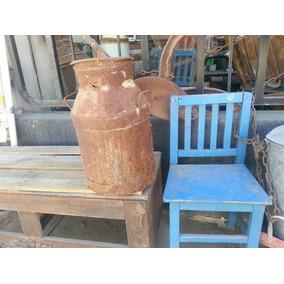 Antiguo Bote Lechero De Hierro Oxidado Y Muy Decorativo!