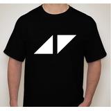 Remera Avicii Logo Triangulos
