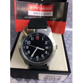 Reloj Victorinox Caballero Analigico Caucho Negro 26008.cb