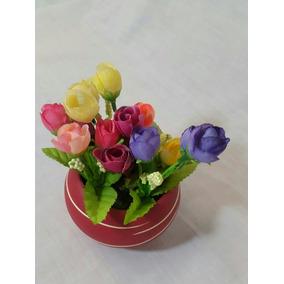 Hermosa Jardinera Con Macetas De Flores Miniatura Artificial