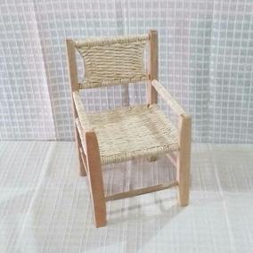 Cadeira Infantil De Madeira E Palha De Milho