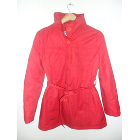 Campera Mujer Impermeable. Color Rojo. Marca Sans Doute.