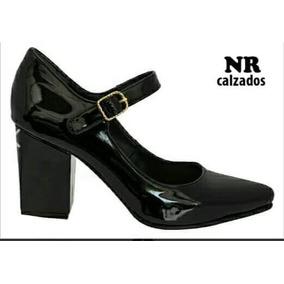 Zapatos De Charol En Negro Y Nude