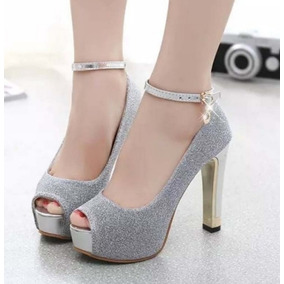 0e972cb0a Sapato Importado Feminino Sandália Salto Alto Brilho Lilás · 2 cores. R$ 230