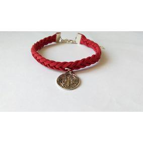 12 Pulseras De Gamuza Roja Medalla San Benito Bautizo