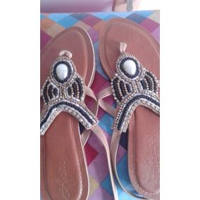 Sandálias Com Pedras Aplicadas
