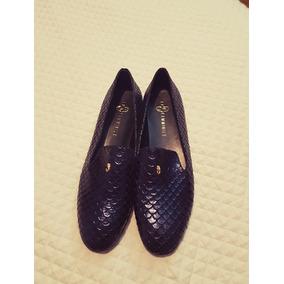 Zapatos Bajos De Cuero Talle 42 Mujer.