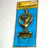 Golpeador De Puerta Metal Dorado De 12 Cm. C/mirilla Bueno