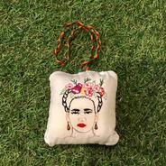 Chaveiro Frida Kahlo Bordado A Mão Varal