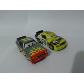 Carrinho Disney Cars N. 17 + N.52