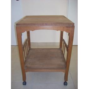 antigua mesa con ruedas para tvaudio de roble